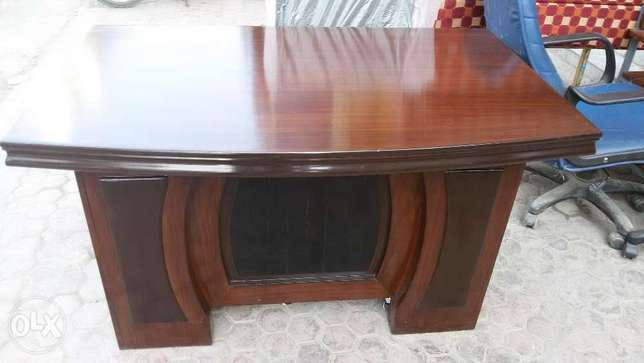 executive office table standard height
