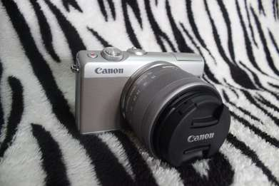 Canon EOS M100 + (BONUS) Canon Connect Station CS100