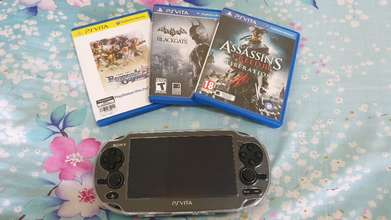PS Vita include  game(Ragnarok odyssey,Batman& Assasin creed )