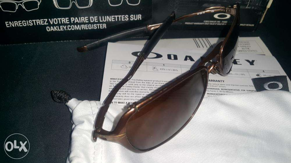 2438cc74b7 Oakley Felon Pre Owned FROM US in Cainta