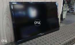 60 inch smart tv box packed