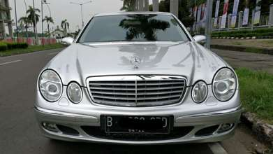 Mercy E280 elegance matic 2007 a/t silver low km. super mint condition