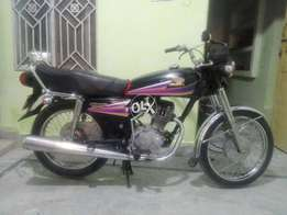 Honda 125 nice condition complete documents very good sound