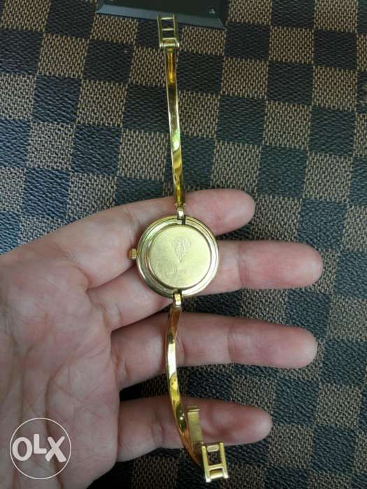 d6cccc07781 Gucci Ladies Bangle type in Makati