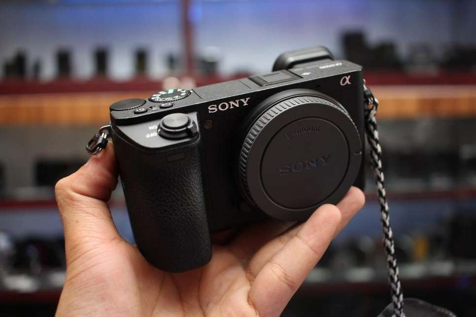 Kamera Mirrorless Sony A6500 Body Only