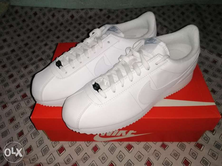 f9daab4eb22 Nike Cortez Basic Leather size 9.5 Men Triple White in Makati