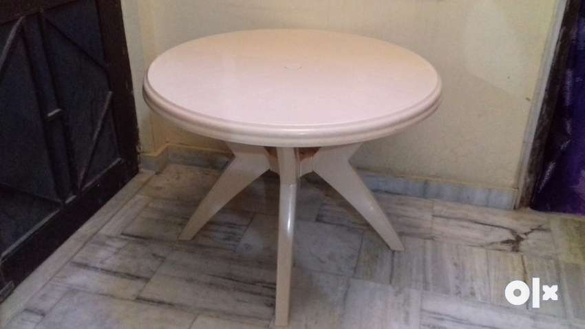Awe Inspiring 1 New Brand Dining Table Cello Made New Price Rs 2250 Caraccident5 Cool Chair Designs And Ideas Caraccident5Info