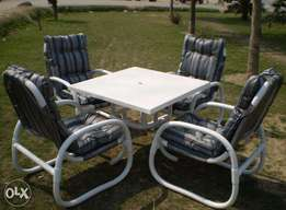 Win Outdoor Chairs With Square Table