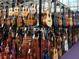 Weekend Salle At happy club Best guitars collection salle salle