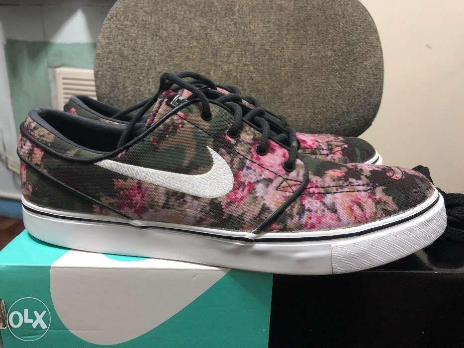 74323c7f6d7e Nike Zoom Stefan Janoski Digi Floral Size 8 in Makati
