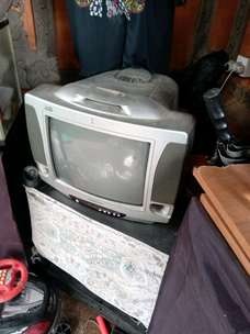 TV Polytron model Tabung