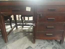 Excellent safe and sound diar wood table