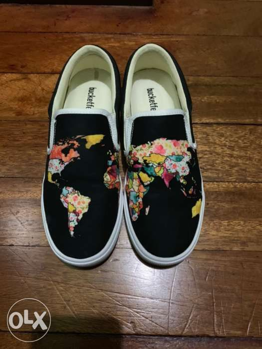 93bc2f82123e bucketfeet world map in Manila