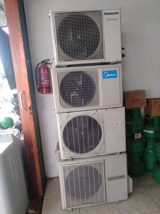Outdoor ac saja 1 pk MIDEA,panasonic inverter