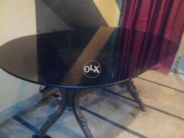 Dining table without chairs Brilliant condition Important