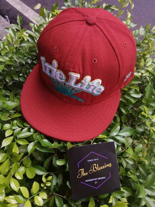 aa2f261990d Close  x . Used Condition 90% New Era fitted cap x Irie Life original
