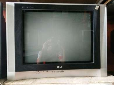 tv lg flat slim 21inc normal mulus nego bergaransi