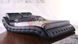 Jom and Jerry bed with side table