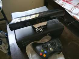 Xbox 360 4GB with Kinect (JTAG)
