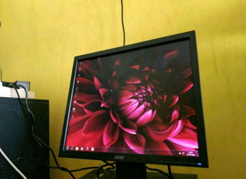 Desain Cakep Anti Galau Monitor Acer 17 Full Hd Normal Like New