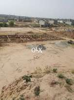 10 marla level plot available in Clifton township