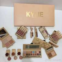 Pack of 18 kylie kit box