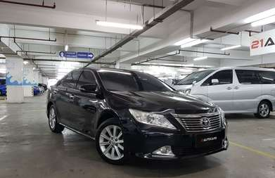 Toyota Camry 2.5 V AT 2014 KM 50RB