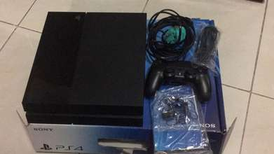 Dijual PS 4/Playstation 4 Fat 500Gb MULUS