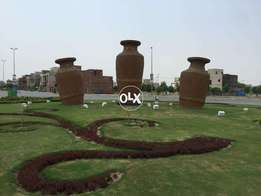 10 Marla plot available in Bahria town phase 8 extension