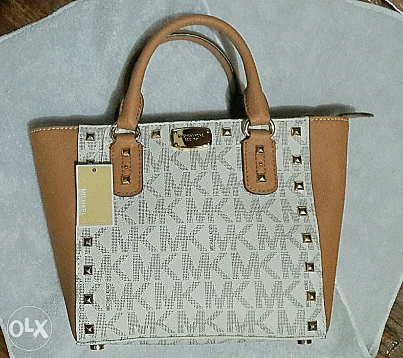 178d5577299e Michael kors Sandrine Crossbody Bag Vanilla Acorn in Manila, Metro ...