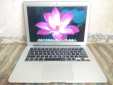 MacBook Air 13 MC965 Mid 2011 Core i5 -1.7GHz 4GB 128GB Cycle Count 3