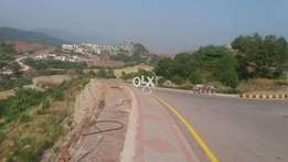 Bahria town phase 8 ,10 marla plot available in investor price