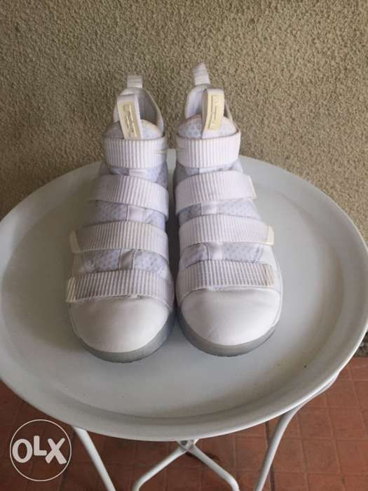 db4bc627311 Nike Lebron Soldier 11 Triple White size 10 in Quezon City