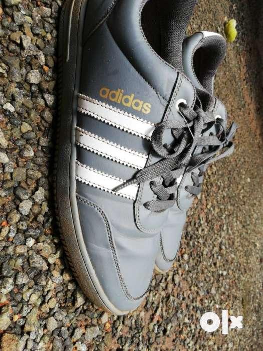 ADIDAS, buen producto.. 4 meses uso exclusivo Precio uso 4 Kozhikode Kozhikode Fashion f60b5ae - antibiotikaamning.website
