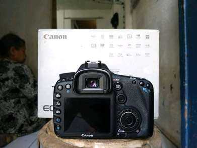 canon 7d body only mulus
