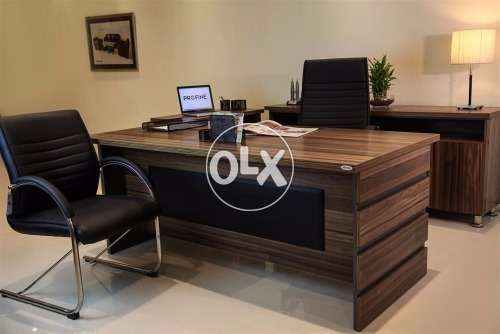 Executive table 5*3 with pvc edging one free feature wall for u