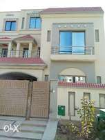Classic Executive 10 Marla Brand New House Bahria Town Lahore