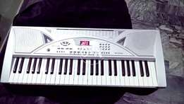 Piano with mic free