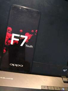 dami oppo F7 youth (buat contoh)