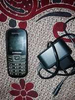 Samsung phon singal sim with charger