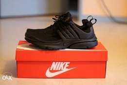 Nike presto triple black for boys
