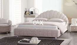 Stylish and modern bed set in poshing