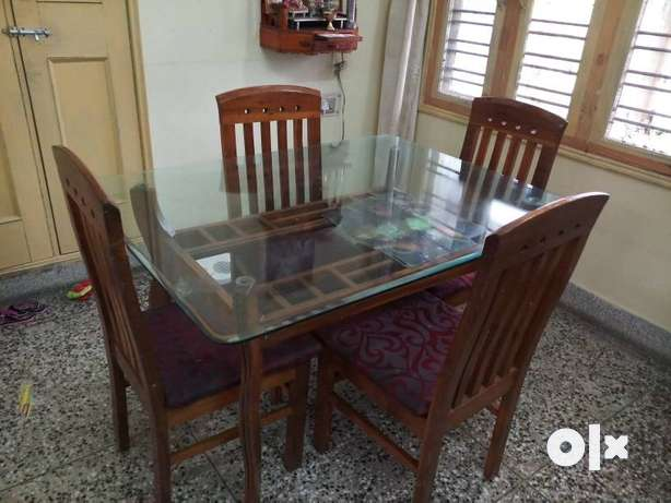 Rectangular Brown Wooden Table With four Chairs Dining Set  : images644x461inslot1filenamexzf97zkvxa2n2 IN from www.olx.in size 614 x 461 jpeg 33kB