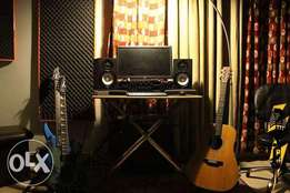 Karachi's studios learn music instruments and singing free trial class