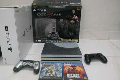 Di jual PS4 pro Limited Edition