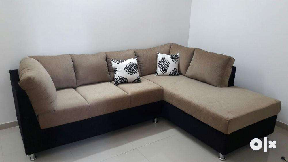 L Corner Sofa Set With Size 8x6 And PU Foam Of 40 Density In Fabric .