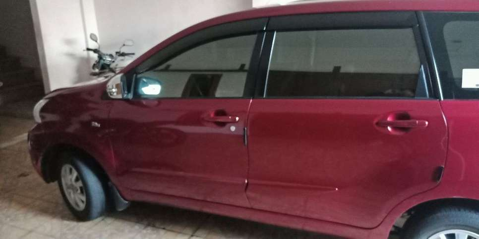 avanza G 1.3 AT Merah Low KM