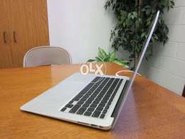 Excellent Condition MacBook Air 13.3 Mid 2014 Core i5 Ram 4 SSD 128