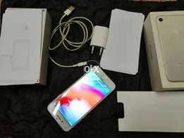 Iphone 7 white complete box xcpethandfree with facetime