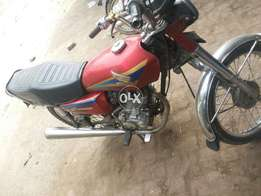 Honda 125 6model small hub very good honda